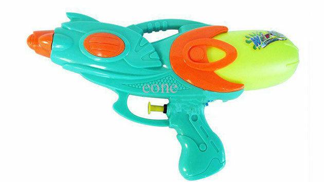 juguetes-favoritos-verano-pistolas-agua-8619230